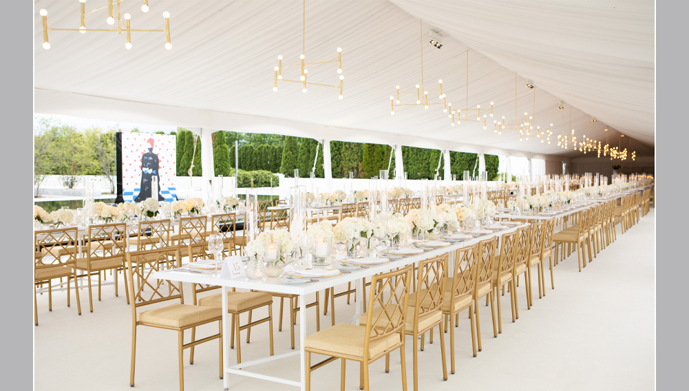tent wedding, all white wedding, wedding location is Aga khan museum in toronto, beautiful outdoor wedding