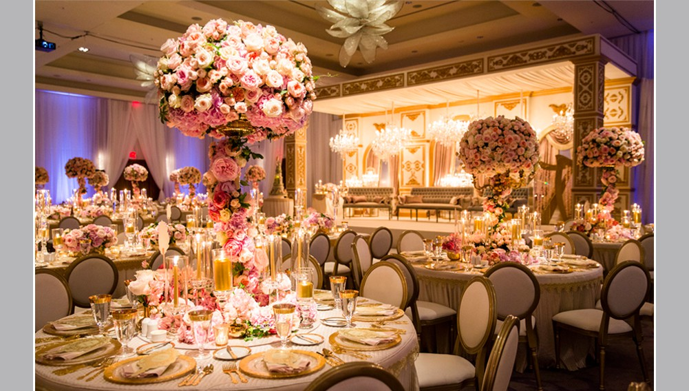 wedding at the ritz, over the top wedding centrepieces, roses and garden roses in blush tones , luxury wedding design